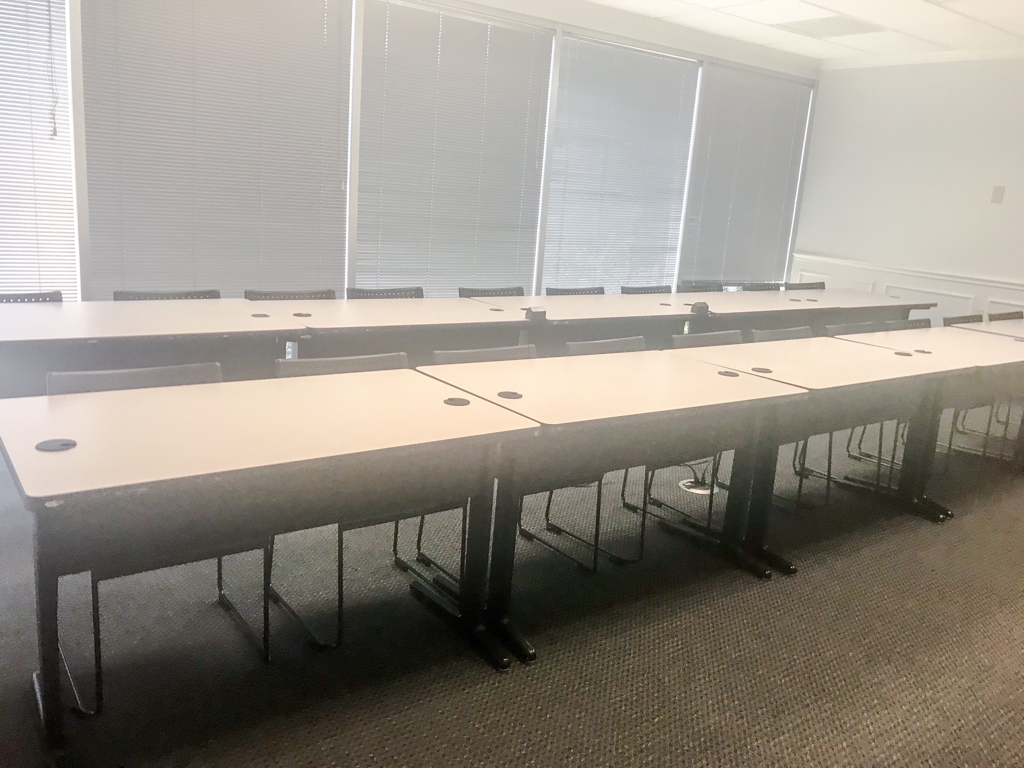 Seats up to 24 in classroom style